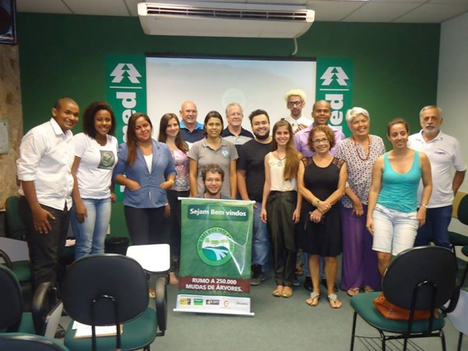 Reunião do grupo Três Rios três  árvores, na luta para plantar 25 mil mudas nos próximos anos.;
