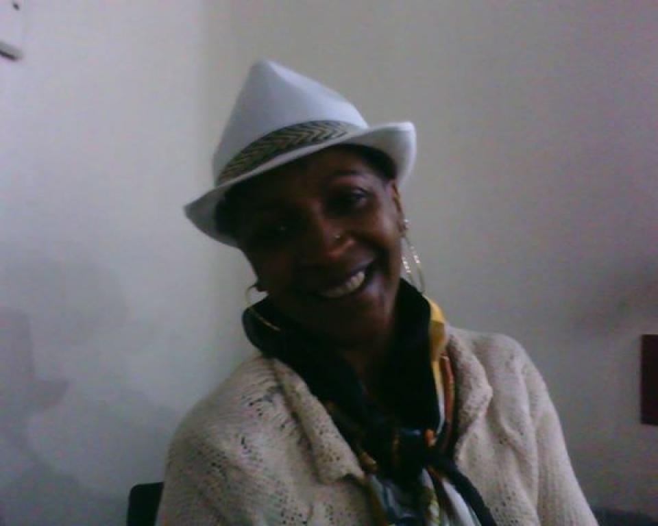 A amiga do TR Revista, Leila Almeida, aniversariando  no  dia do trabalhador. Parabéns!