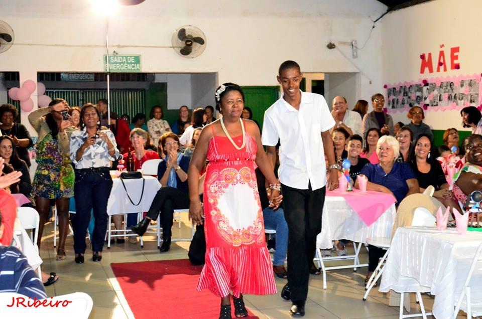 jantar em homenagem às mães, dia 15, no  atlético Clube Operário, em  Levy Gasparian