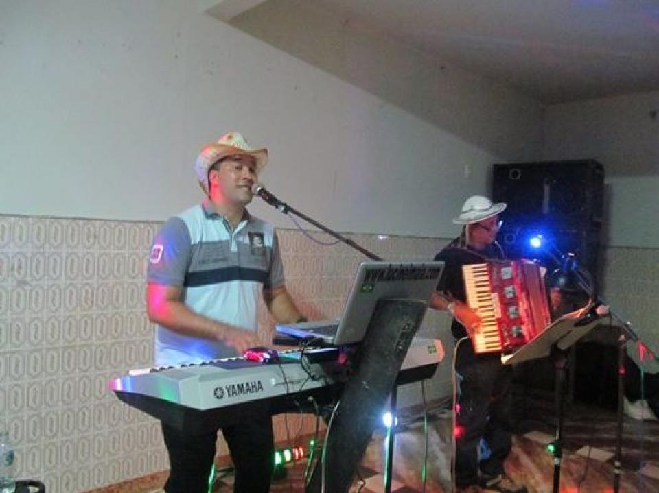 show de lucinei maia na festa de NossaSenhora de Fátima, no Monte Castelo, dia 11 de maio