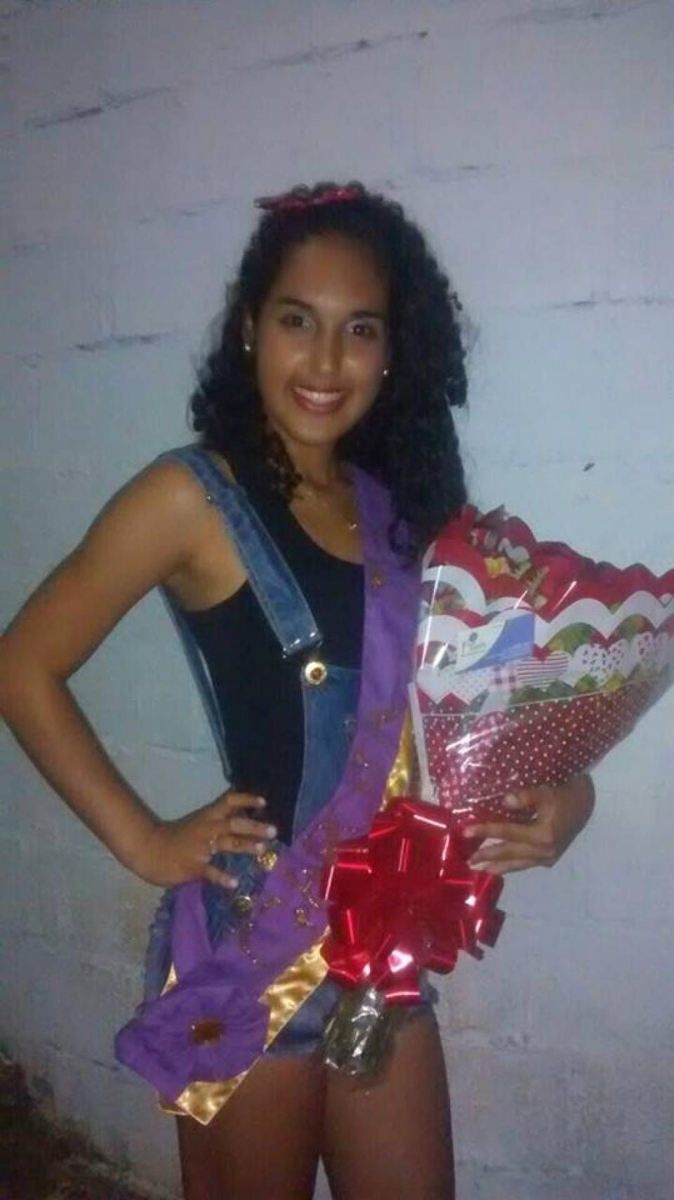 Parabéns à lindinha Natália Fontes, vencedora do concurso Garota JC, realizado sábado passado (6) lá em Sta.Terezinha, promoção do Jornal da Comunidade.